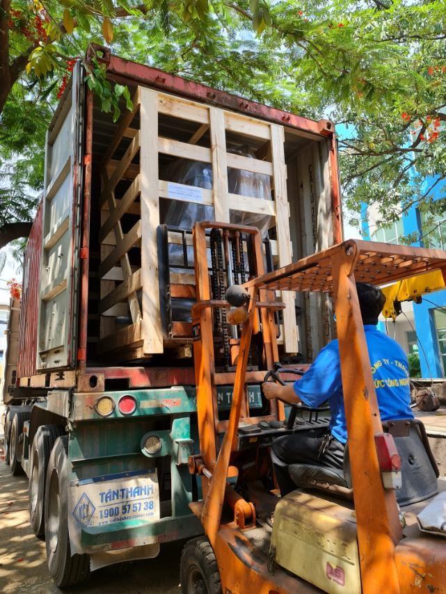 Máy doa xi-lanh Ô tô VB500, máy doa miệng sup-pắp xe ô tô VSP-1, máy đánh bóng xi-lanh xe máy DB1C, HMA-120, máy doa miệng sup-pắp xe máy DSP2, và máy mài miệng sup-pắp VG1A đã có mặt tại Chile